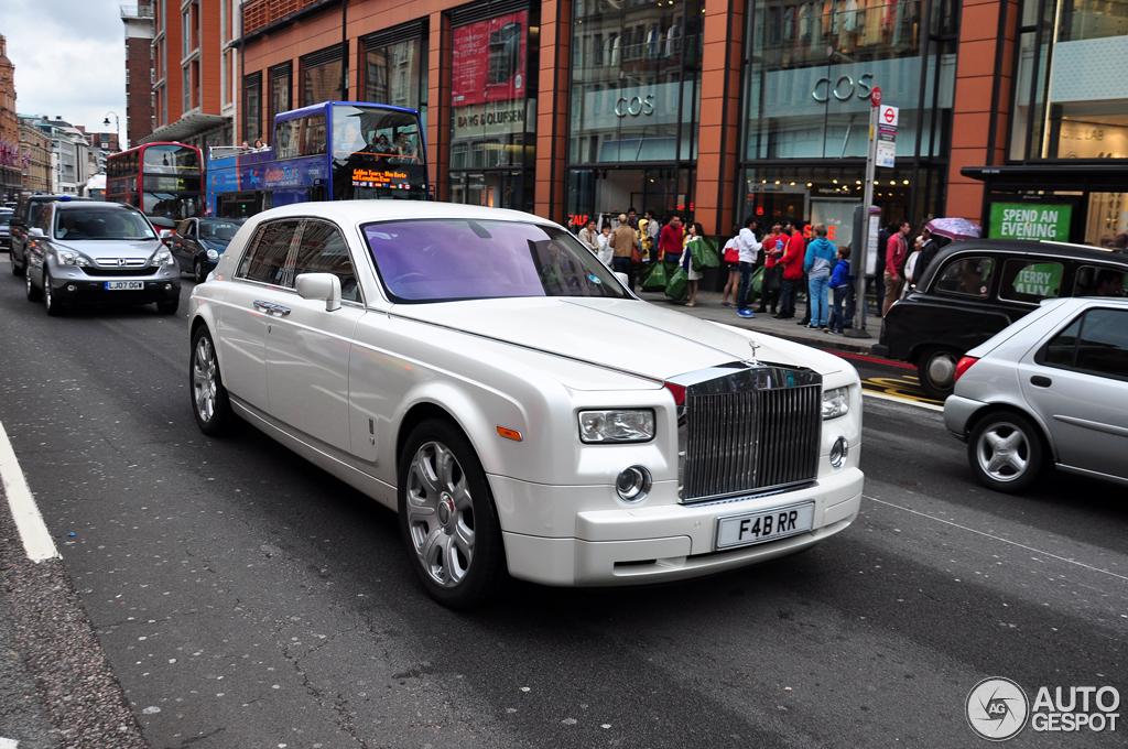 Rolls-Royce Phantom Project Kahn Pearl White - 17 July ...