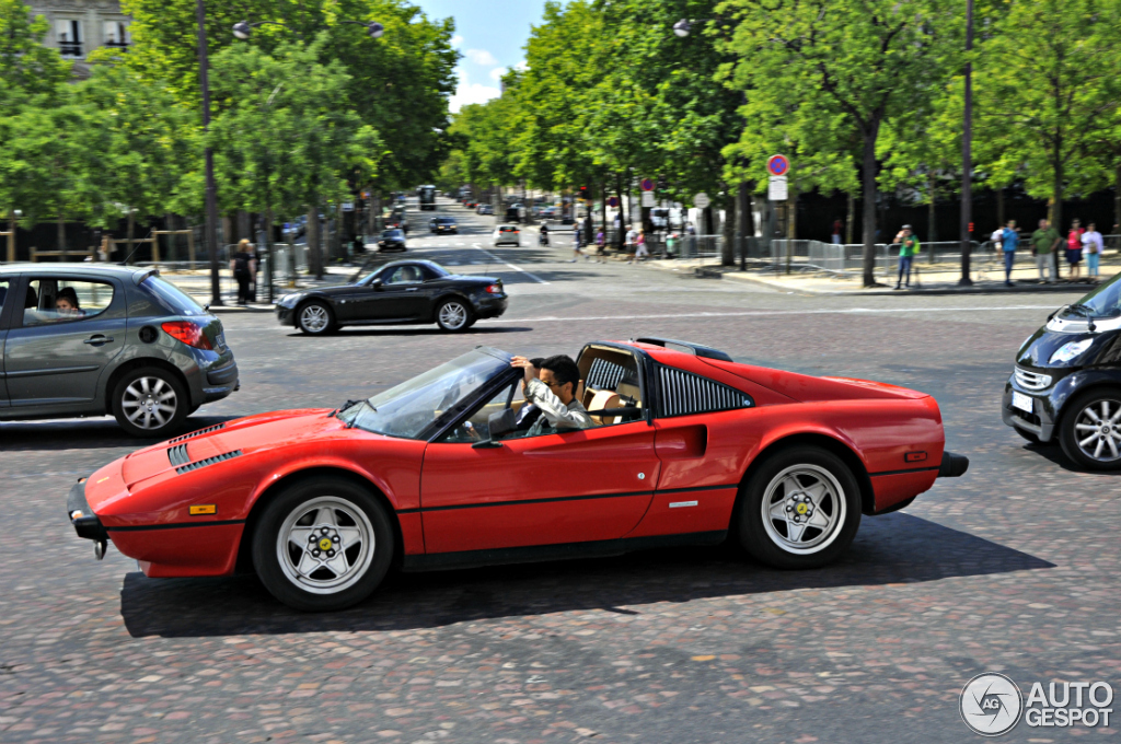 ferrari 308 gts quattrovalvole 23 juillet 2012 autogespot. Black Bedroom Furniture Sets. Home Design Ideas