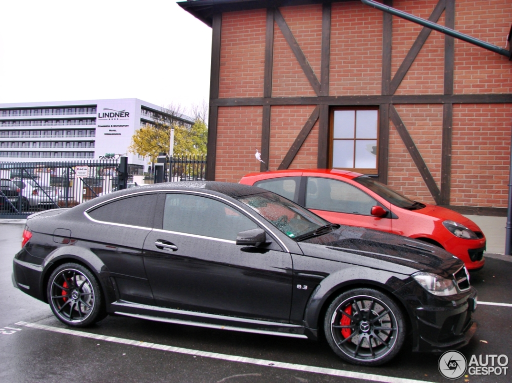 mercedes benz c 63 amg coup black series 30 oktober 2012 autogespot. Black Bedroom Furniture Sets. Home Design Ideas
