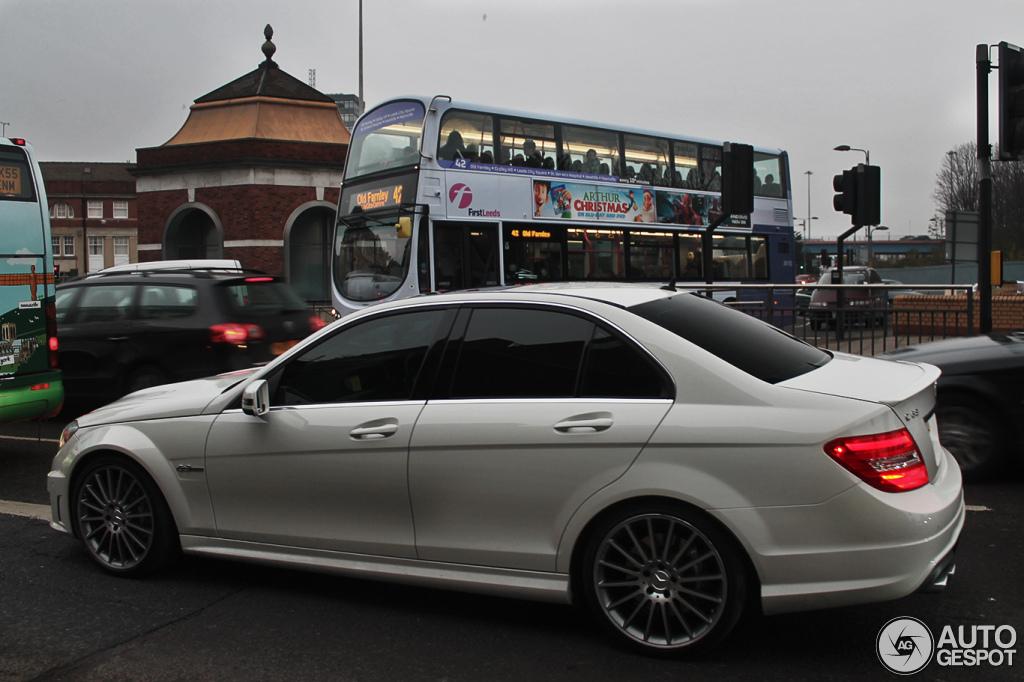 mercedes benz c 63 amg w204 2012 12 dezember 2012 autogespot. Black Bedroom Furniture Sets. Home Design Ideas