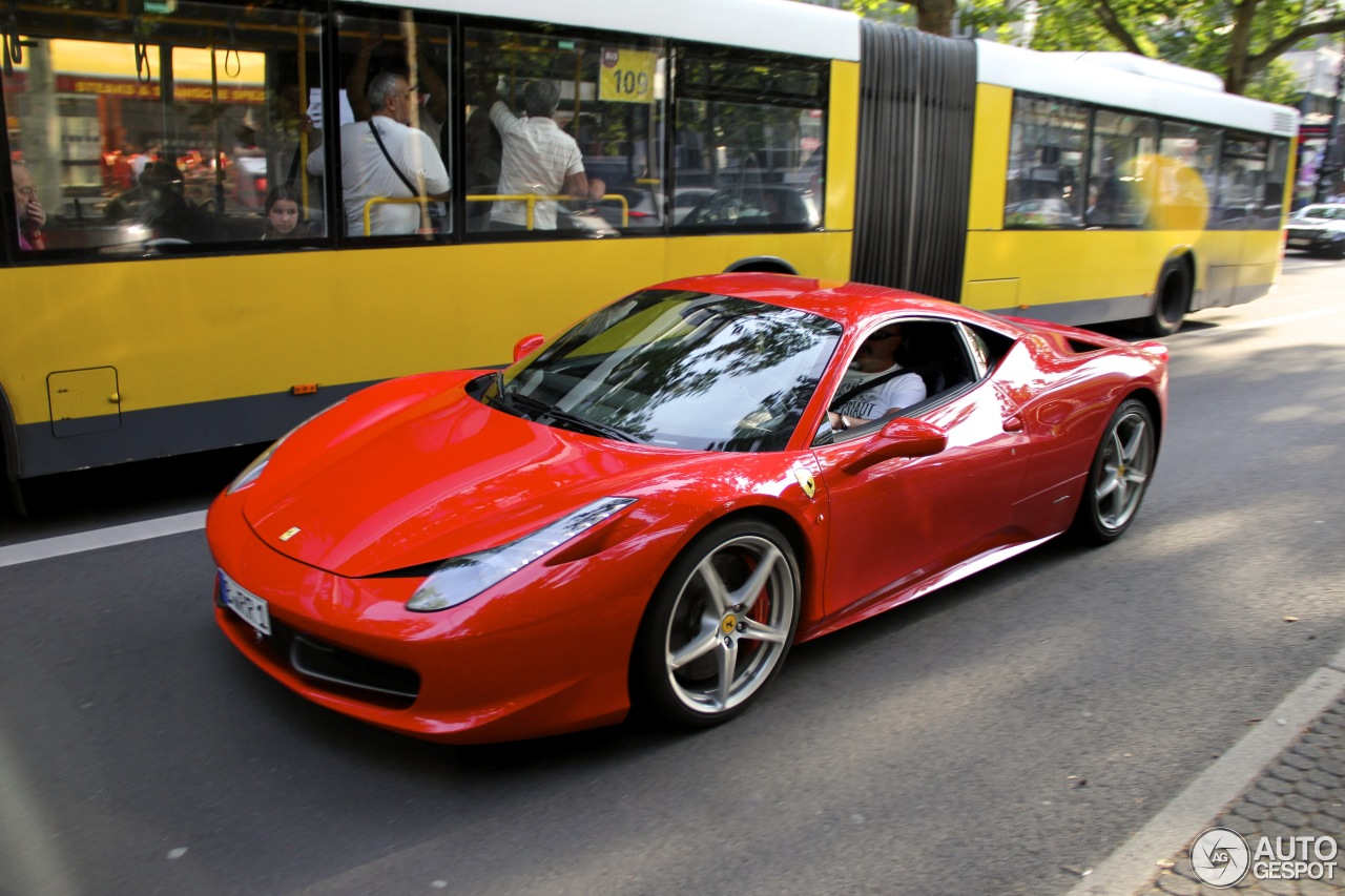 ferrari 458 italia 15 dezember 2012 autogespot. Black Bedroom Furniture Sets. Home Design Ideas