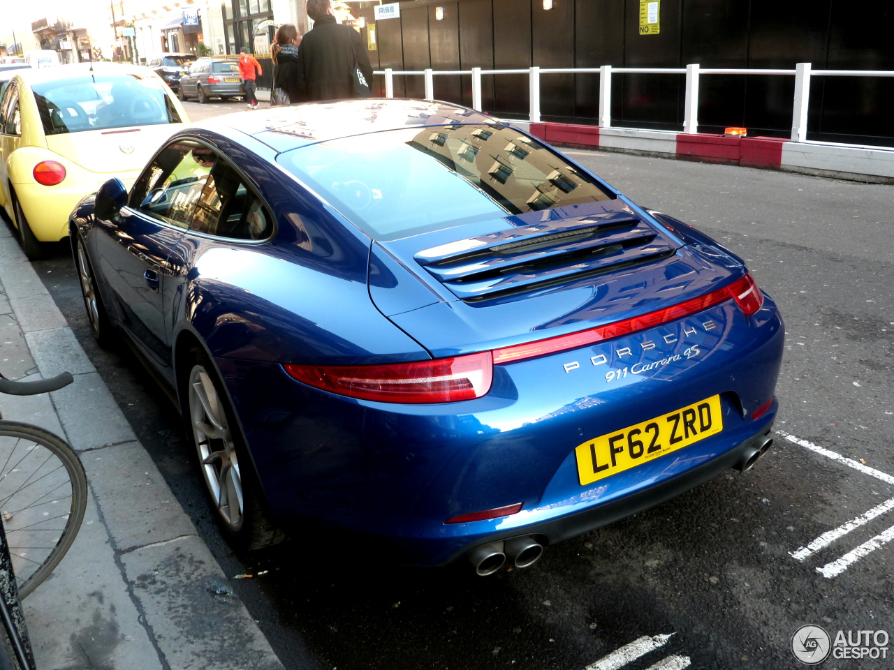 porsche 991 carrera 4s 17 december 2012 autogespot. Black Bedroom Furniture Sets. Home Design Ideas