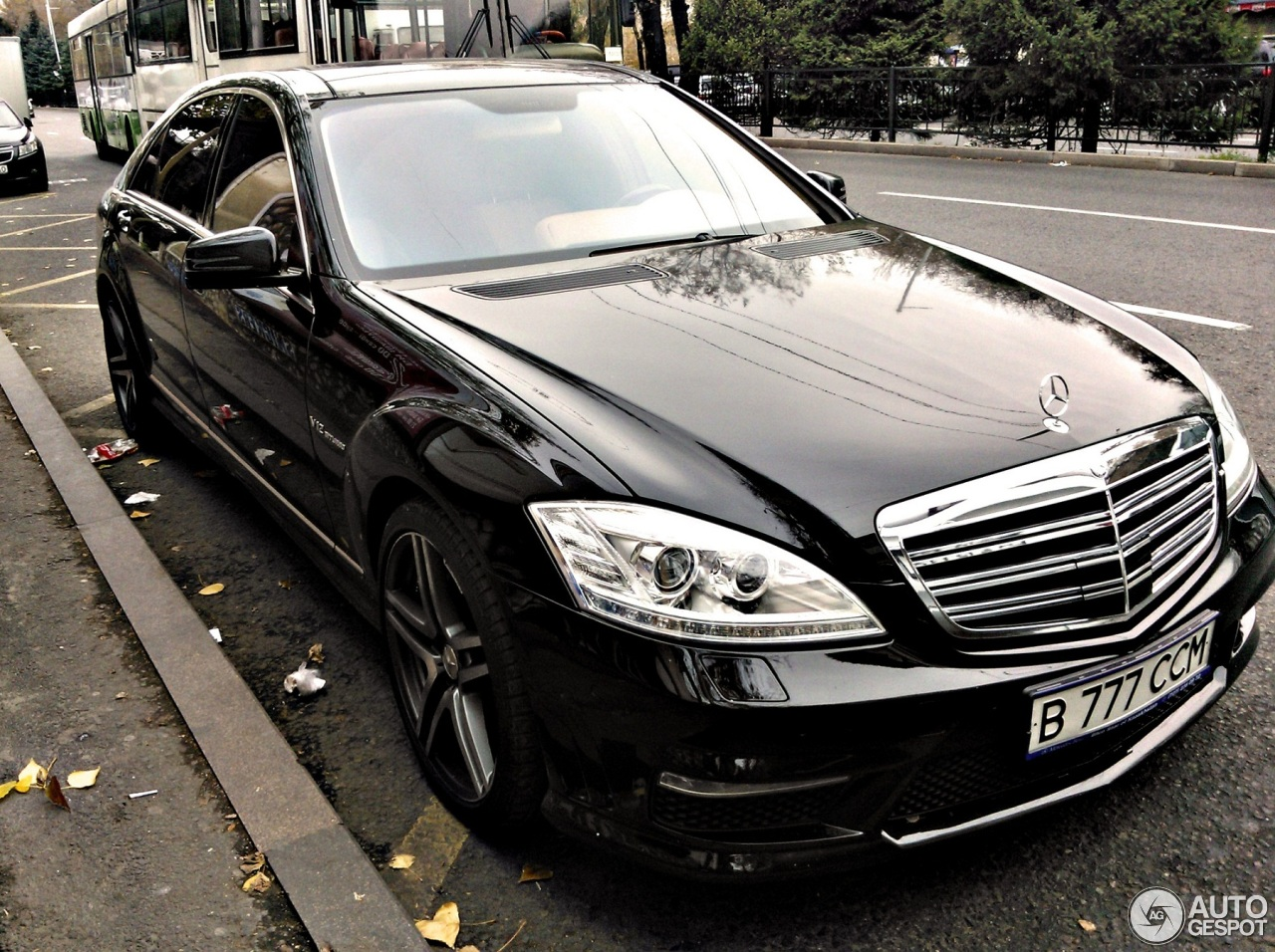 Mercedes benz s 65 amg v221 2010 18 december 2012 for Mercedes benz s class amg 2010
