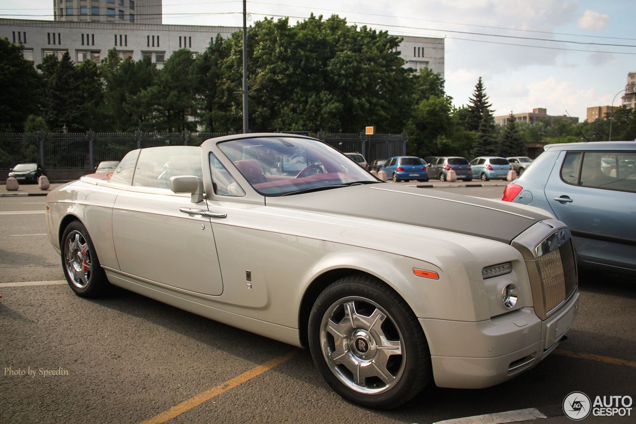 rolls royce phantom drophead coup   22 december 2012